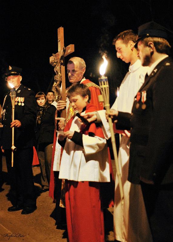 """Droga Krzyżowa """"Na Stawach"""" 2011 r. (22.04.2011) [003]"""