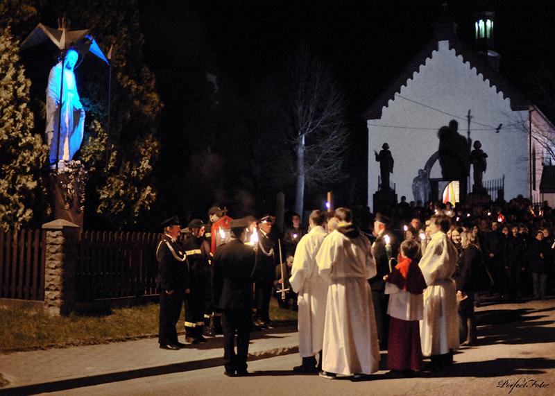 """Droga Krzyżowa """"Na Stawach"""" 2011 r. (22.04.2011) [004]"""