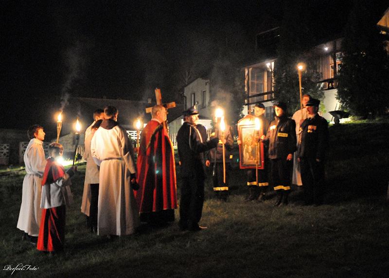 """Droga Krzyżowa """"Na Stawach"""" 2011 r. (22.04.2011) [006]"""