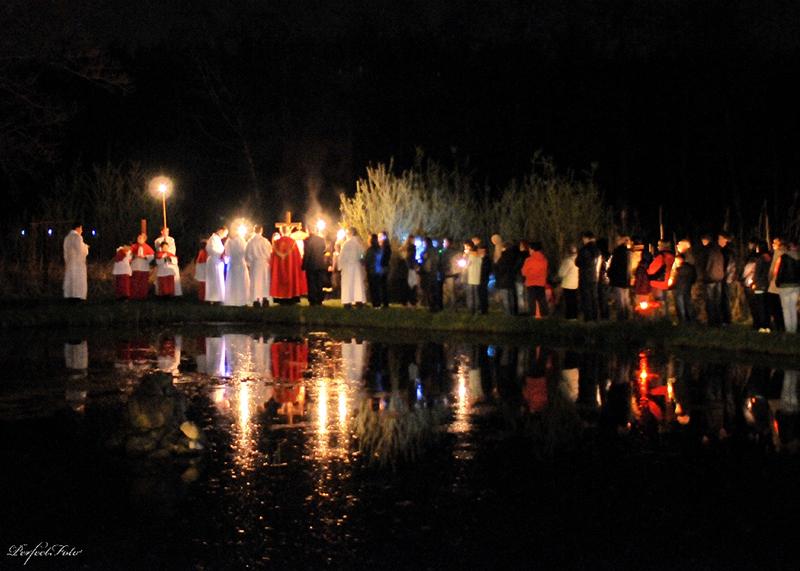 """Droga Krzyżowa """"Na Stawach"""" 2011 r. (22.04.2011) [009]"""