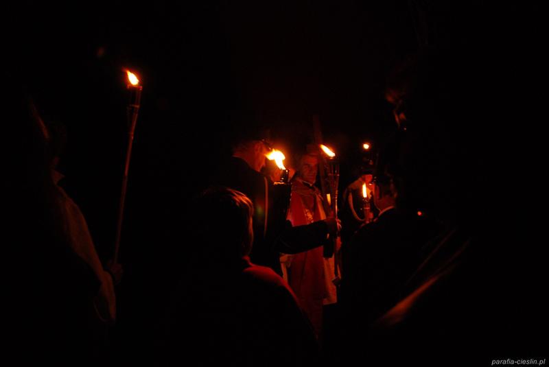 """Droga Krzyżowa """"Na Stawach"""" 2011 r. (22.04.2011) [022]"""