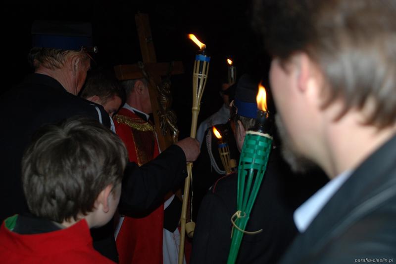 """Droga Krzyżowa """"Na Stawach"""" 2011 r. (22.04.2011) [023]"""