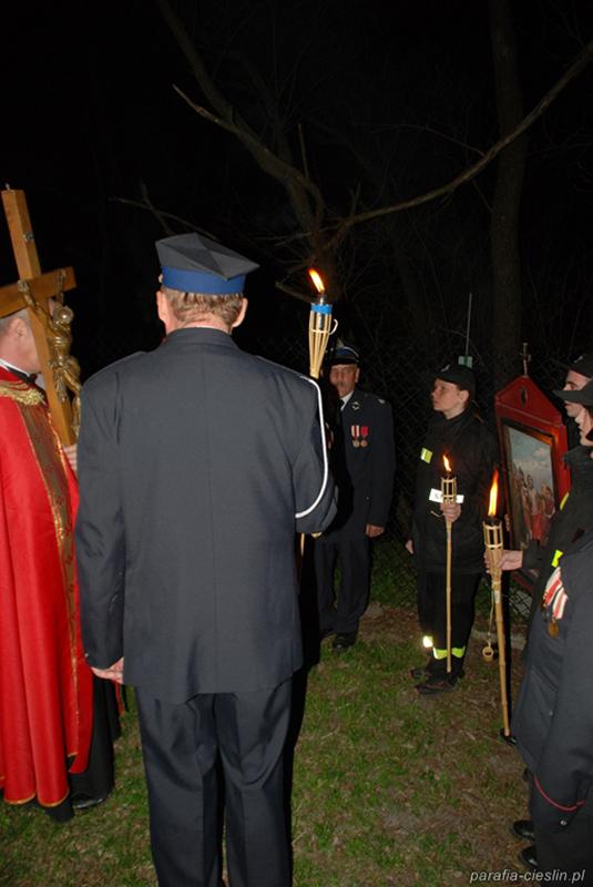 """Droga Krzyżowa """"Na Stawach"""" 2011 r. (22.04.2011) [025]"""