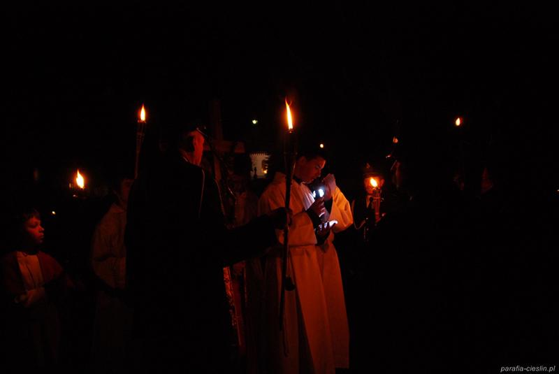 """Droga Krzyżowa """"Na Stawach"""" 2011 r. (22.04.2011) [026]"""