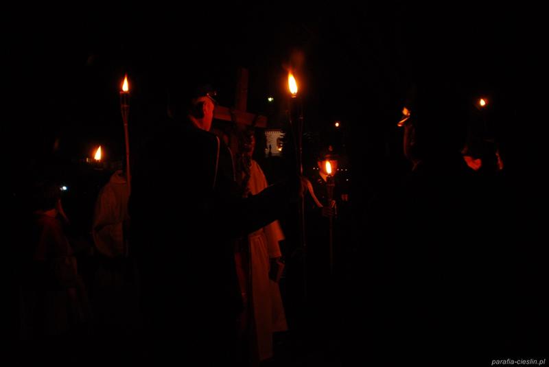 """Droga Krzyżowa """"Na Stawach"""" 2011 r. (22.04.2011) [027]"""