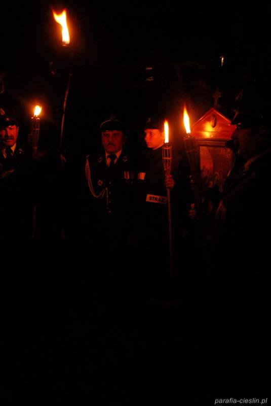 """Droga Krzyżowa """"Na Stawach"""" 2011 r. (22.04.2011) [030]"""