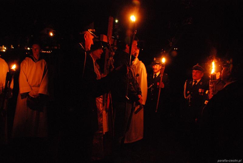 """Droga Krzyżowa """"Na Stawach"""" 2011 r. (22.04.2011) [031]"""