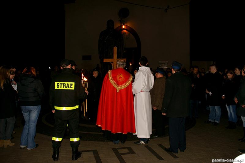 """Droga Krzyżowa """"Na Stawach"""" 2012 r. (06.04.2012) [006]"""