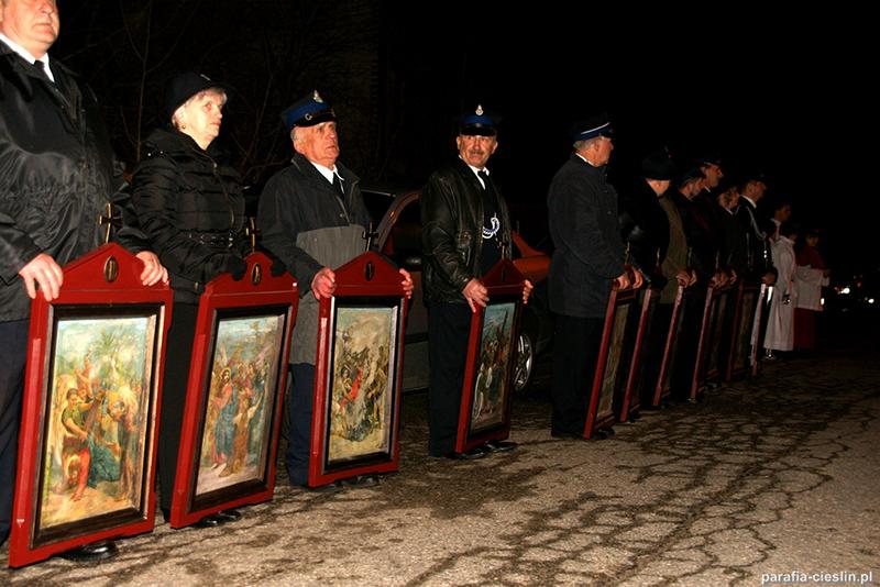 """Droga Krzyżowa """"Na Stawach"""" 2012 r. (06.04.2012) [010]"""