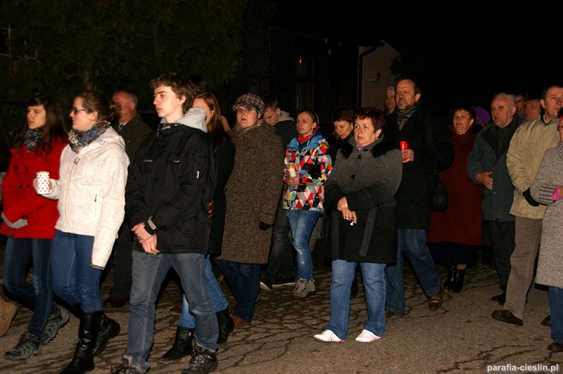 """Droga Krzyżowa """"Na Stawach"""" 2012 r. (06.04.2012) [016]"""