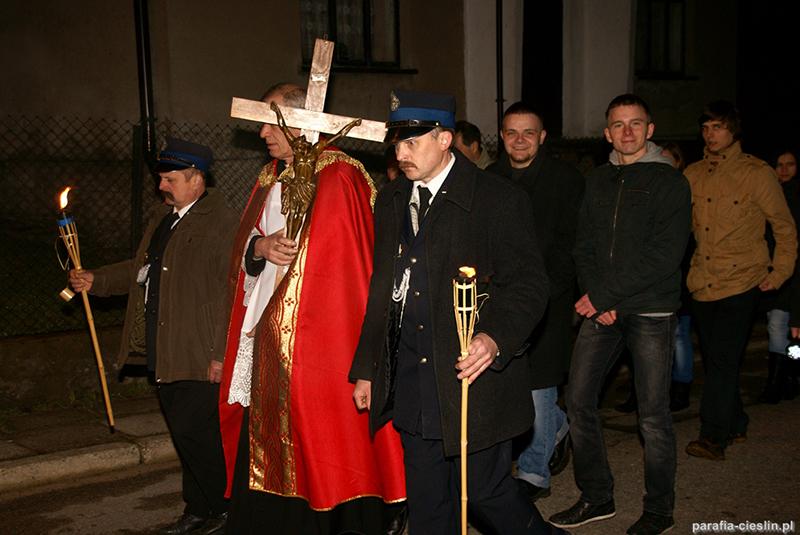 """Droga Krzyżowa """"Na Stawach"""" 2012 r. (06.04.2012) [063]"""