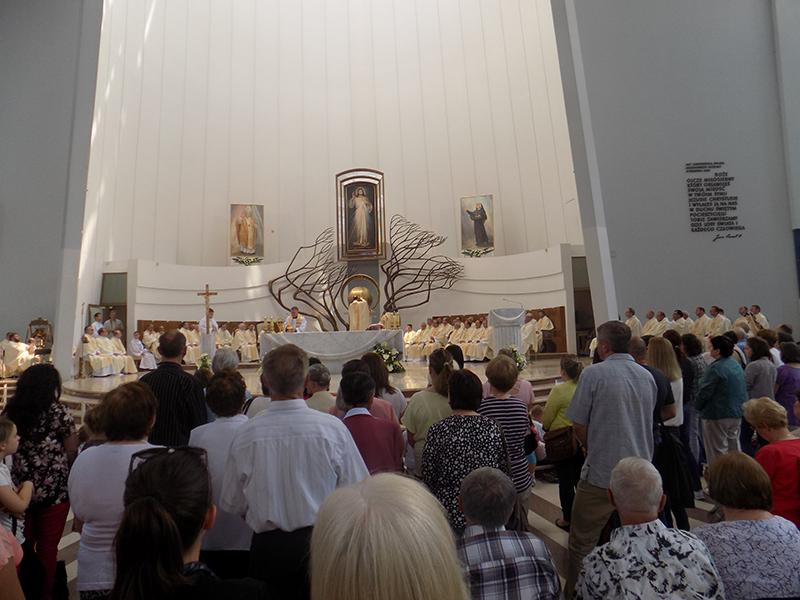 Pielgrzymka Diecezji Sosnowieckiej do Sanktuarium Bożego Miłosierdzia w Krakowie-Łagiewnikach (04.06.2016) [067]