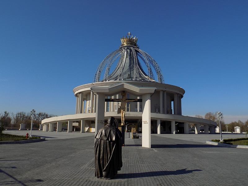 Pielgrzymka Diecezji Sosnowieckiej do Sanktuarium NMP Gwiazdy Nowej Ewangelizacji i św. Jana Pawła II w Toruniu (14.04.2018) [002]