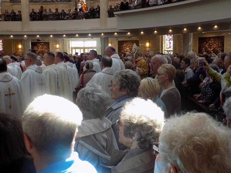Pielgrzymka Diecezji Sosnowieckiej do Sanktuarium NMP Gwiazdy Nowej Ewangelizacji i św. Jana Pawła II w Toruniu (14.04.2018) [014]