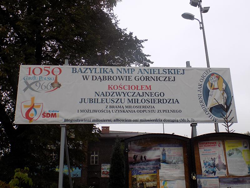 Pielgrzymka do Drzwi Świętych w Bazylice NMP Anielskiej w Dąbrowie Górniczej (22.10.2016) [003]