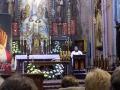 Pielgrzymka do Drzwi Świętych w Bazylice NMP Anielskiej w Dąbrowie Górniczej (22.10.2016) [015]