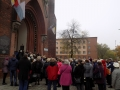Pielgrzymka do Drzwi Świętych w Bazylice NMP Anielskiej w Dąbrowie Górniczej (22.10.2016) [016]