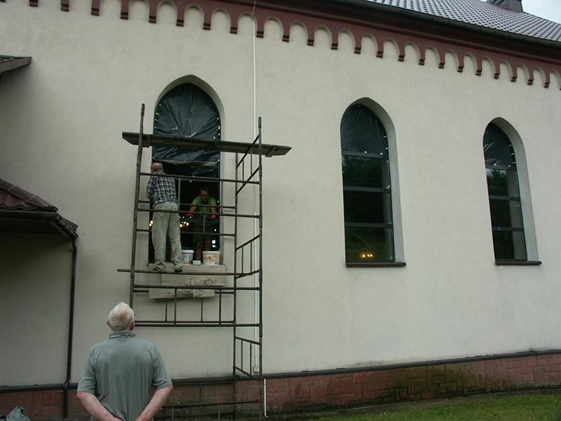 [015] Wymiana okien w kościele (09.07.2015) (3)