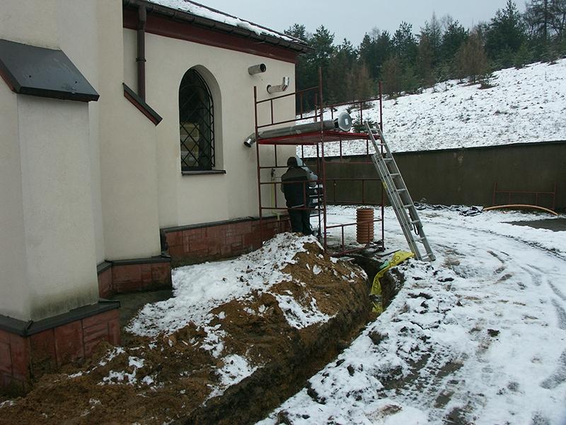 [022] Budowa i montaż instalacji gazowej do ogrzewania kościoła (13.02.2016) (4)