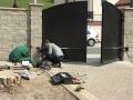 [029] Wymiana ogrodzenia podwórza przy plebanii (30.04.2016) (5)