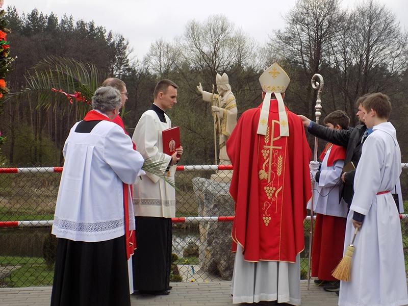 Wzniesienie i poświęcenie figury św. Stanisława BM [013] (09.04.2017)
