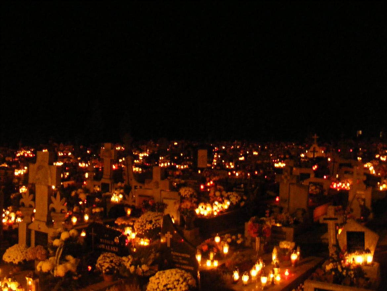 Dzień 1 Listopada - przypomnienie o powołaniu do świętości.